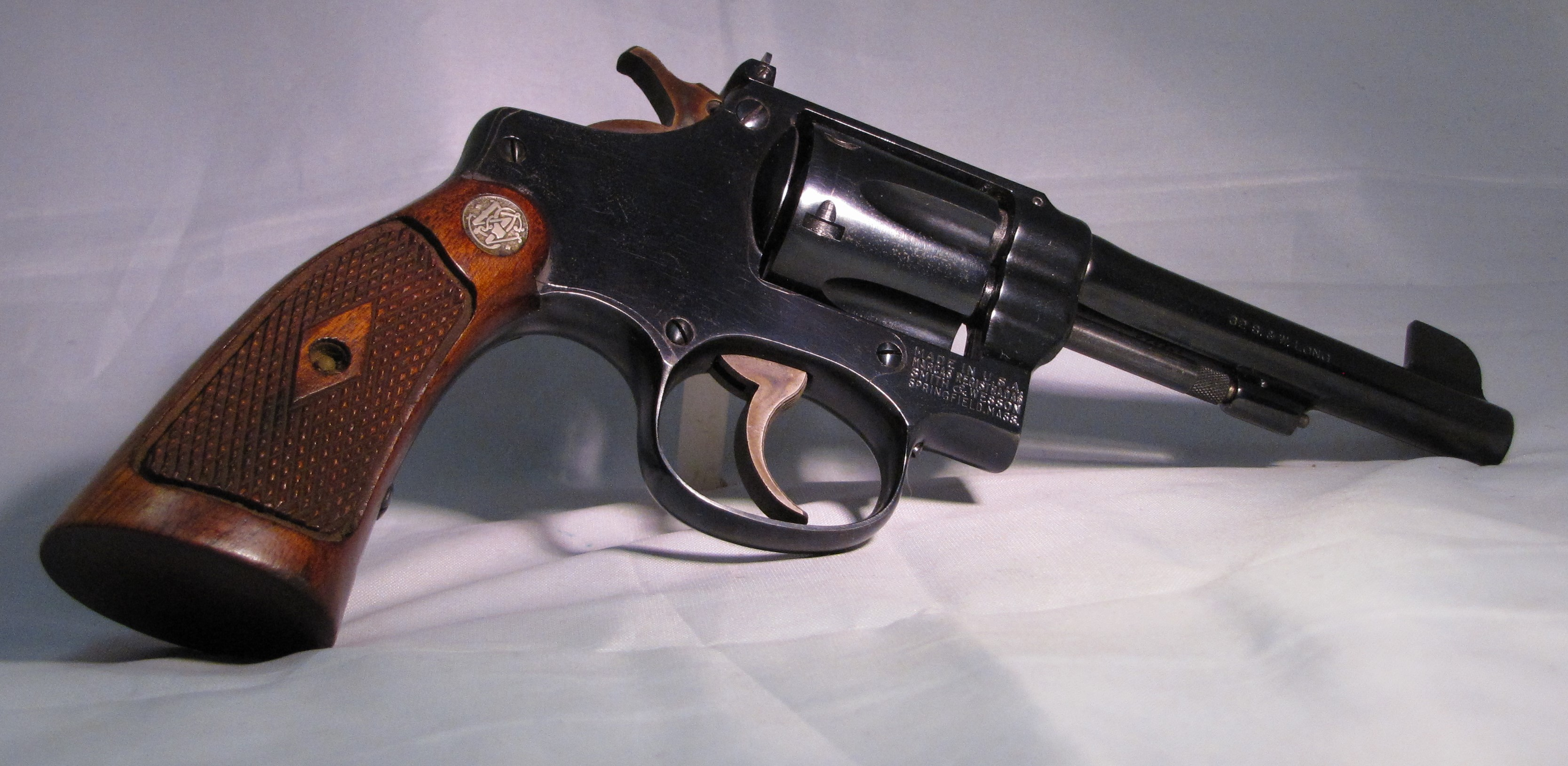 1922 Smith & Wesson I-Frame Target Model 32 - Cartridge & Coin